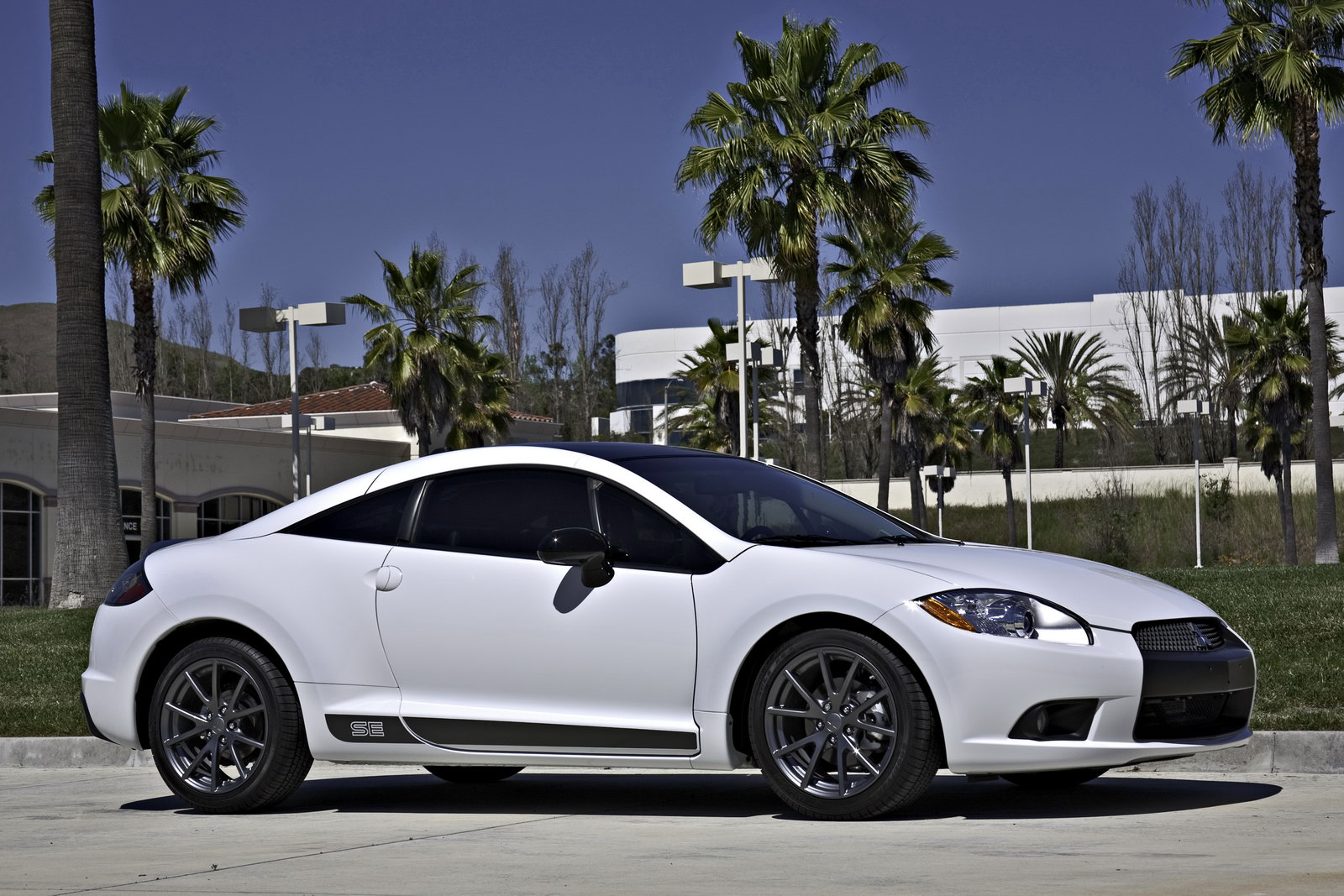 Mitsubishi announces Final 2012 Eclipse SE Special Edition