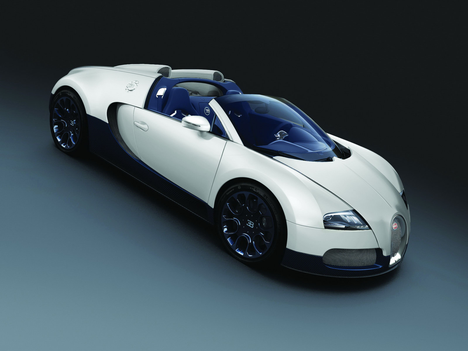 New Bugatti Bespoke Veyron Supercars shown up