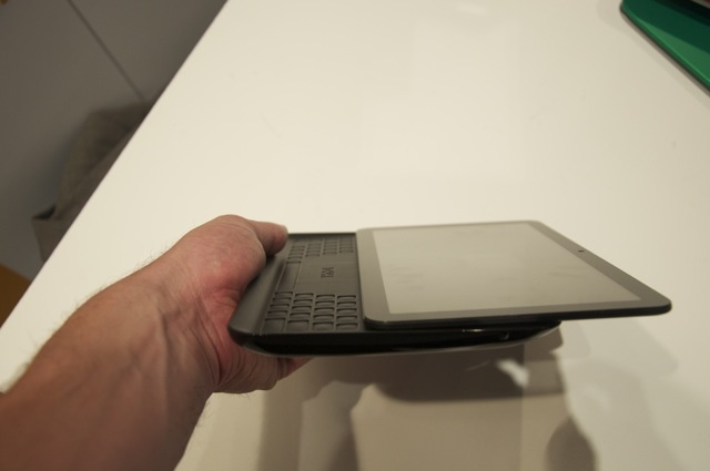 Dell Streak 10 Pro Honeycomb Tablet to be released in China this summer; Dell's 7-inch QWERTY Slider Tablet spotted