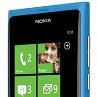 Nokia W9 Sea Ray Windows Phone 7 appears on a Video