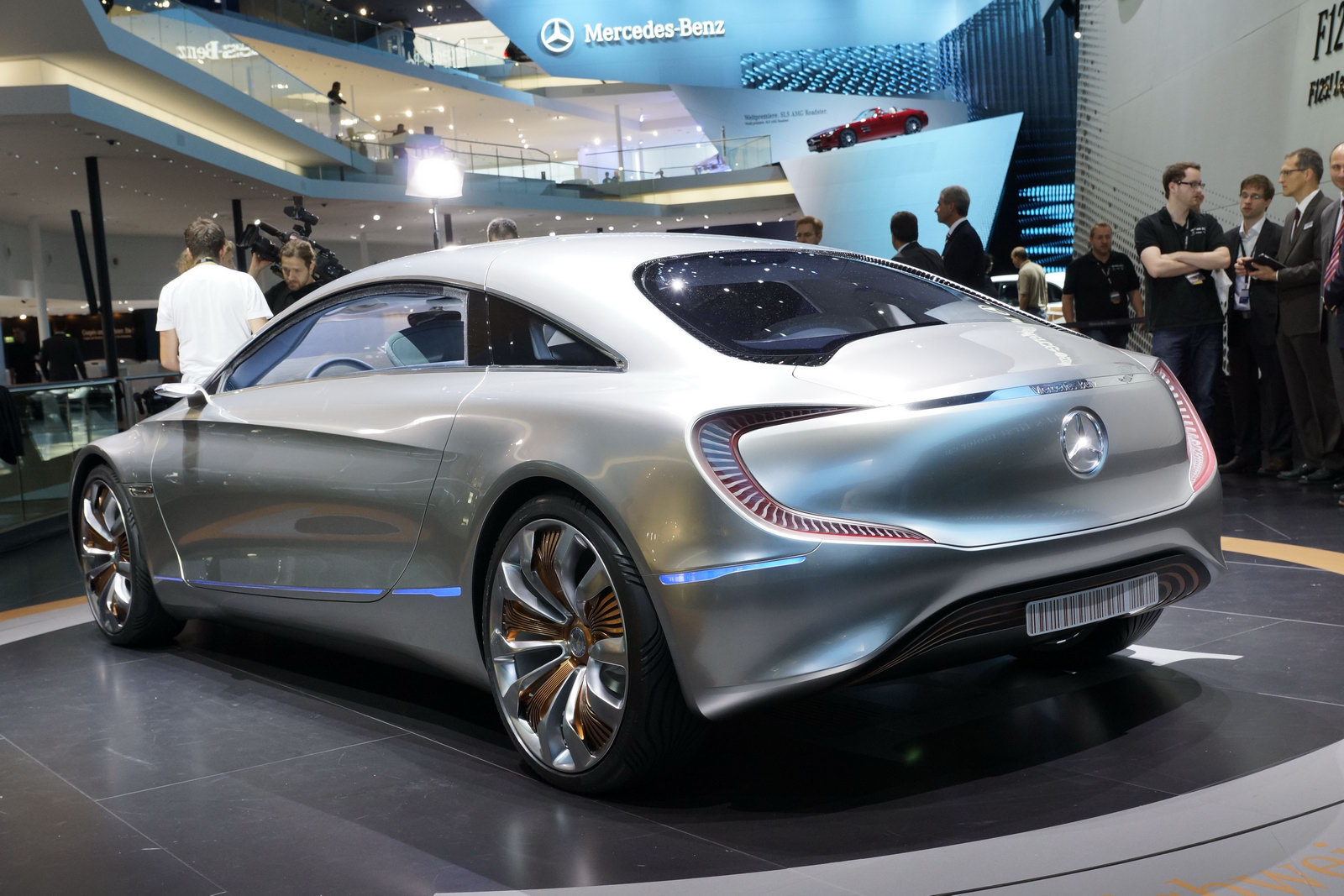 Mercedes benz f 125 gullwing plug in hybrid concept for Mercedes benz frankfurt