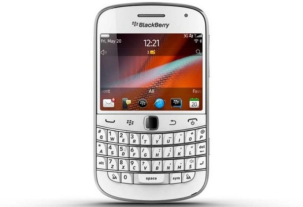 Vodafone BlackBerry Bold 9900 White version on Sale in UK