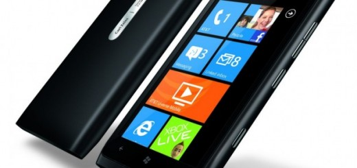 Nokia Lumia 900 on Pre-order for $25 at US Microsoft stores