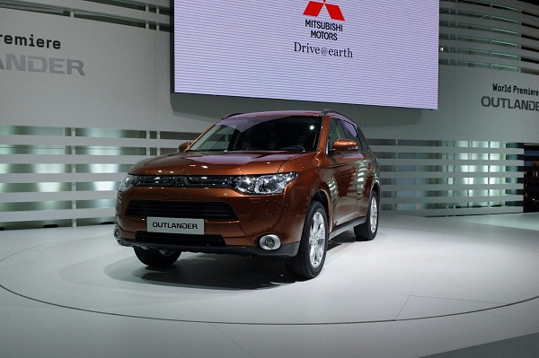Mitsubishi 2013 Outlander debuts at the Geneva Auto Show