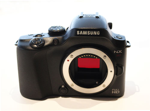 Samsung NX20 WiFi Camera Image and Specs revealed