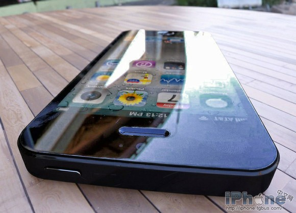Apple iPhone 5 images spotted