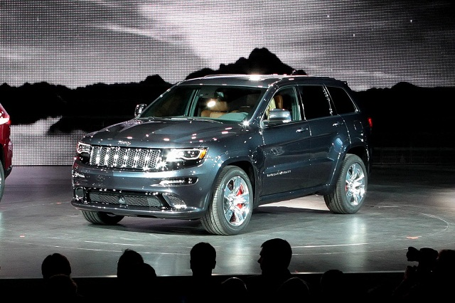 2014 Jeep Grand Cherokee SRT 03 small 2014 Grand Cherokee SRT displayed at Detroit Auto Show