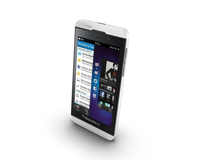 BlackBerr Z10 05 BlackBerry Z10 and Q10 Smartphones announced; Specs and Price