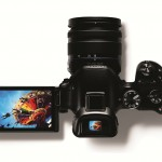 Samsung NX30 Smart Camera announced with new S-line lenses